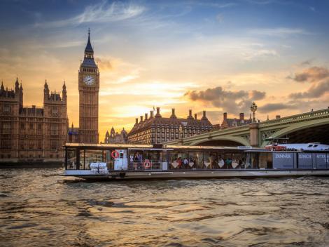 Bateaux London River Thames Dinner Cruise