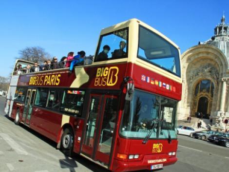 big bus paris hop on hop off bus tour. Black Bedroom Furniture Sets. Home Design Ideas