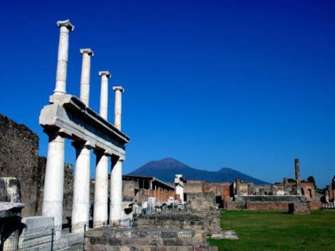 Day Trip to Naples and Pompeii