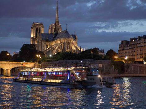 Eiffel Tower Dinner and Seine River Cruise