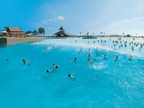 Wave pool - Siam Park
