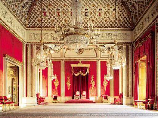 buckingham palace with afternoon tea