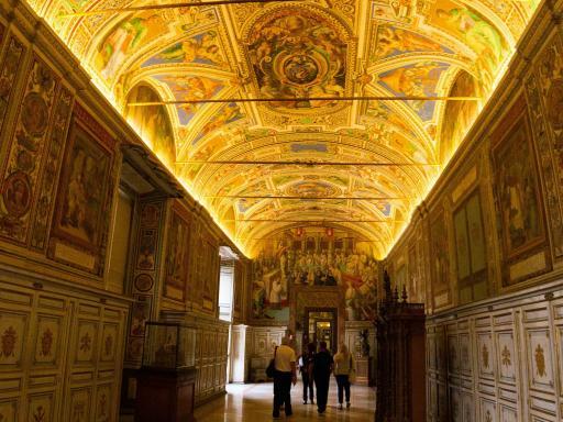 Vatican Highlights Tour: Vatican Museums & Sistine Chapel