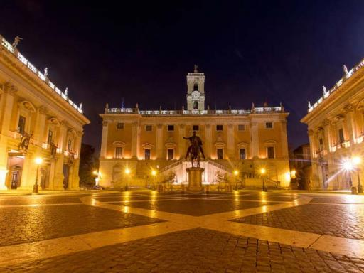 Walk On Walk Off Flexible Tour Pass in Rome (With 10 Tours!)