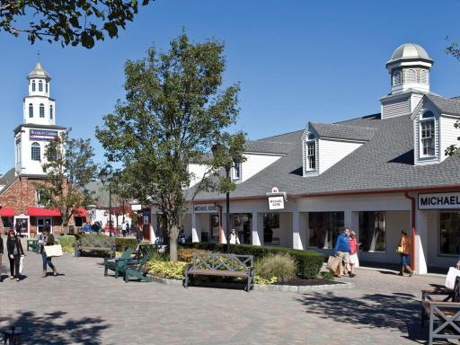 Woodbury Common Shopping Tour
