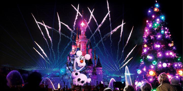 Christmas In Disneyland Paris.10 Reasons To Visit Disneyland Paris This Christmas