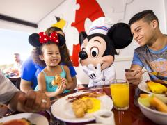 Free Disney Dining and Drinks is COMING BACK!