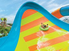 KareKare Curl Creates a Whirl at Aquatica