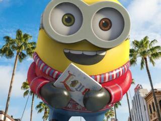 It's a Holly-Jolly Holiday Parade at Universal Orlando Resort!