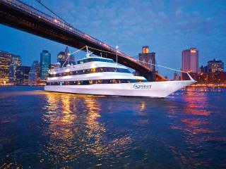 Free Glass of Champagne with Spirit Cruises and Bateaux New York Dinner Cruises
