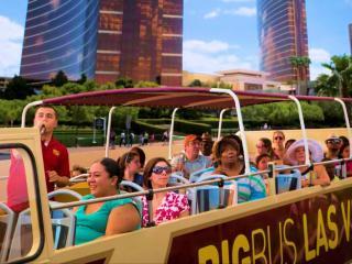 Las Vegas Hop-on Hop-off Bus - Day Tour