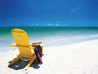 Clearwater Beach Invigorate in the form of white sand and clear blue waters...
