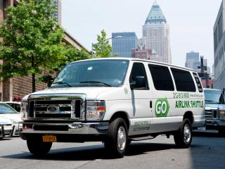 All Around Town Tour & Round-trip Airport Transfers Package