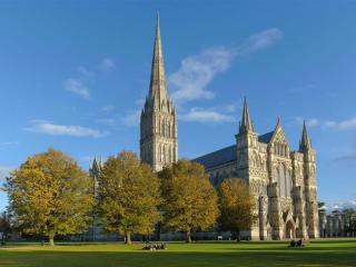 Bath, Stonehenge & Salisbury from London