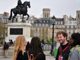 Experience Bohemian Paris - Small Group Tour