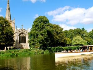 Afternoon Tea and River Sightseeing Cruise for Two in Stratford Upon Avon